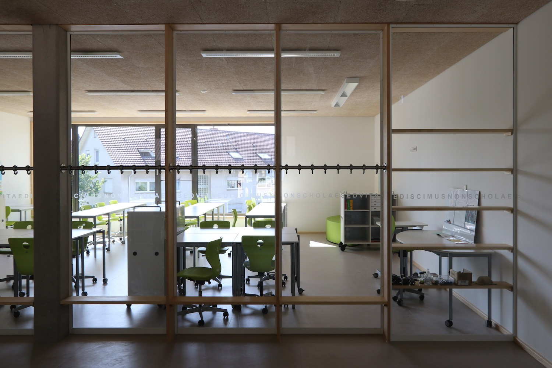 Hilzingen-Schule-Lernbereich-Fenster